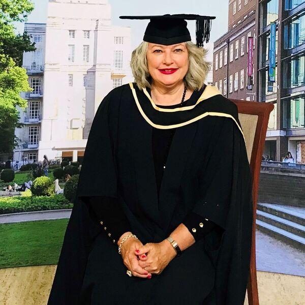 Jodie bei der Diplomfeier