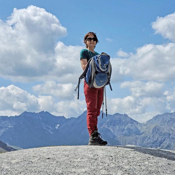 Brustkrebs Genexpressionstest Elena auf einer Wanderung